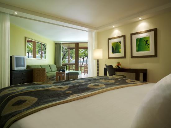 Shangri-La's Fijian Resort & Spa: Superior Lagoon Family room.