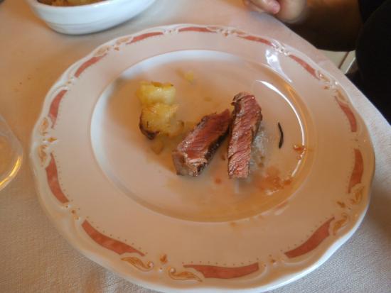 Ristorante Latini : Tagliata di vitello con patate al forno