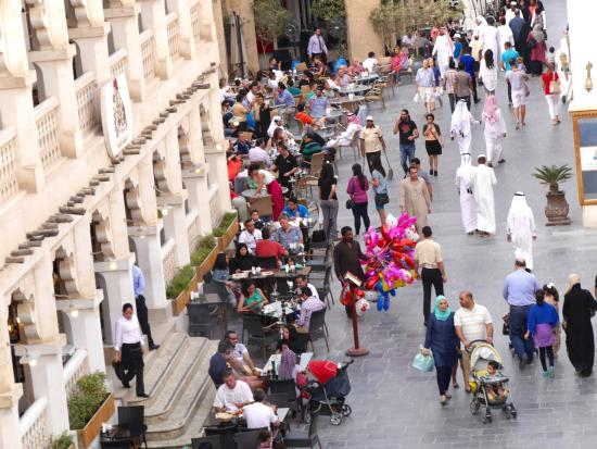 Al Najada - Souq Waqif Boutique Hotels: ホテルの外の街並