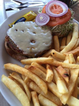 Longboarder Cafe : Garden Burger