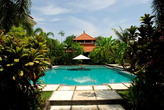 กูสุม่ารีสอร์ท: Swimming Pool
