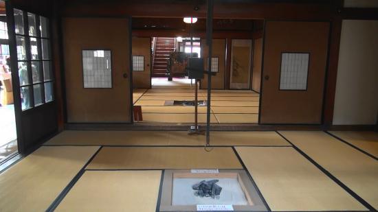 Shayokan - Osamu Dazai Memorial Hall: 「斜陽館」の部屋の数々