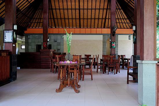 กูสุม่ารีสอร์ท: Restaruant and Lobby