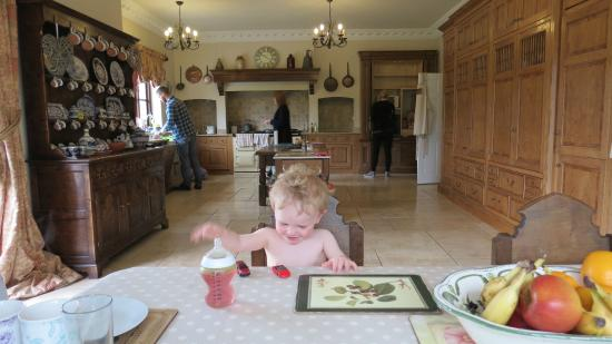 Llanhennock, UK: Big kitchen for a small person