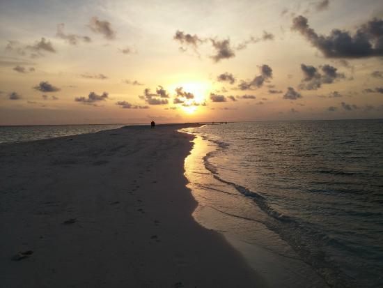 Κουραματί: Sunset at the sand tip