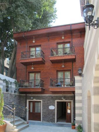 Rose Garden Suites Istanbul: Exterior