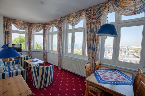 Apartment direkter stromblick hafenblick meerblick bild for Warnemunde appartements