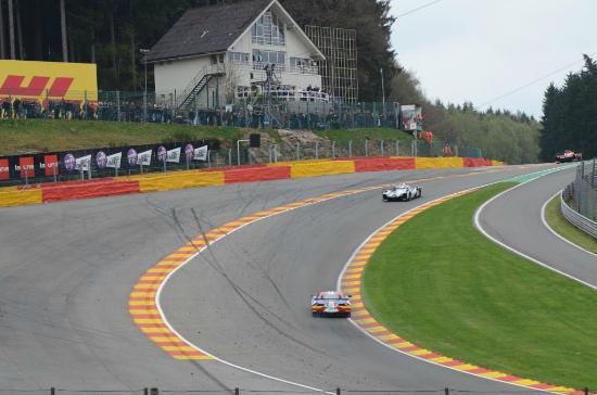 Circuito De Spa Francorchamps : Eau rouge foto van circuit de spa francorchamps