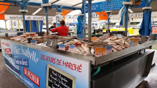 Courseulles-sur-Mer, France : Fish market