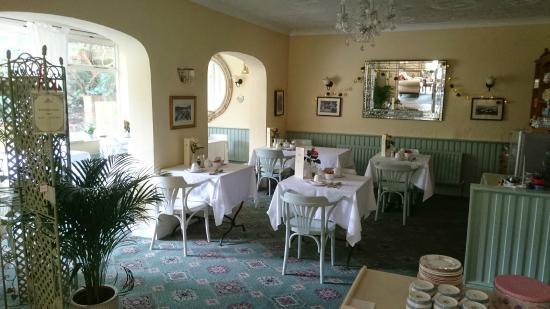 Bedford Lodge: Breakfast room