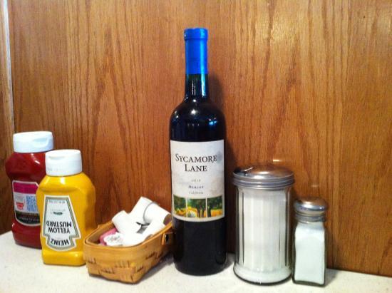 Algonac, MI: Don't whine-Drink wine.