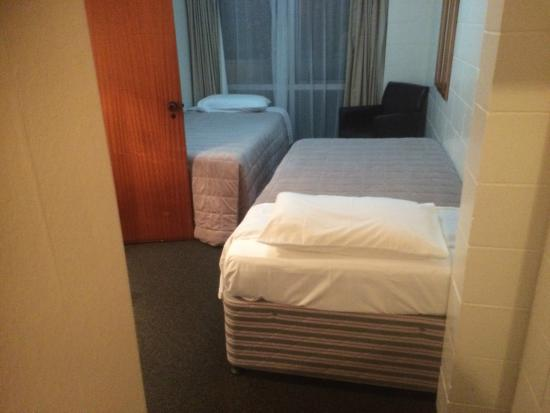 Waihi Motel: The second bedroom area opens.