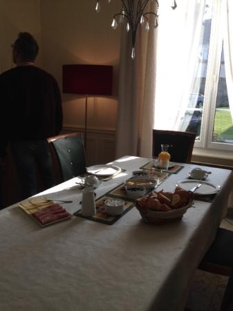 No8 Bed and Breakfast: colazione