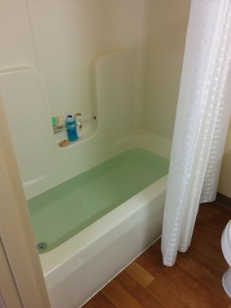 Extended Stay America - Princeton - South Brunswick: bath tub