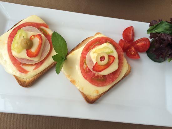 Han Restaurant: Cheese, tomato & onion toast