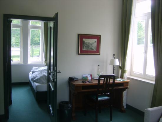 Hotel FreiWerk: Zimmer mit Fenstern nach drei Seiten