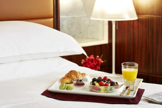 Sheraton Hong Kong Hotel & Towers : In-room Dining Options Available