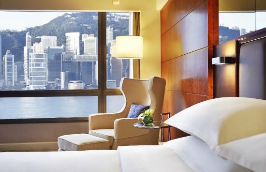 Sheraton Hong Kong Hotel & Towers : Harbour View Room