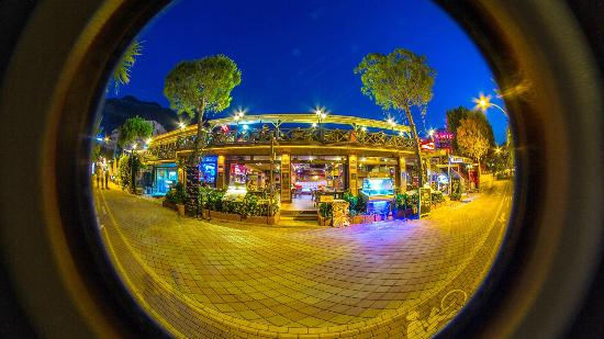Deniz Kapisi : Front fish eye