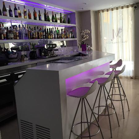 Musik Boutique Hotel: Bar area in reception