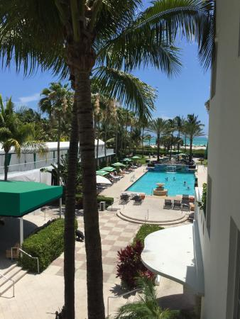Kimpton Surfcomber Hotel Photo