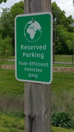 Neosho Federal Fish Hatchery : Cool - Special Parking for Special Cars