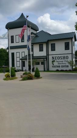 Neosho Federal Fish Hatchery : Visitor Center with Displays