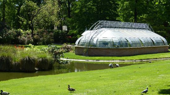serre de l\'île aux palmiers - Picture of Jardin des Plantes, Nantes ...