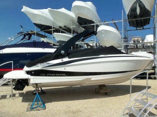 Strong's Marine Boat Rentals: 2014 Regal 2300 Bow Rider Rental $695
