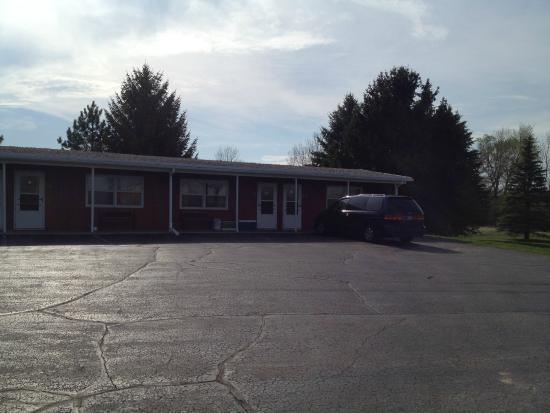 Kewaskum, WI: Far end of motel
