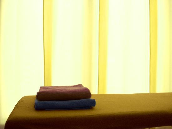 Massaggio Californiano: la sala è impregnata di una luce gialla che aiuta ad armonizzare l'energia