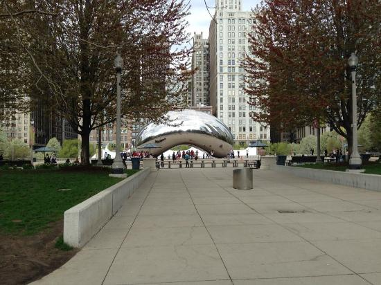 Chicago Travel & Tours: Millenium Park = Cloud Gate