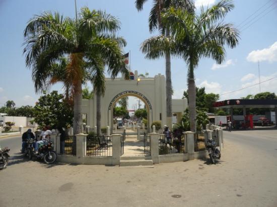 Dajabon Province, Dominikanische Republik: Arco Central