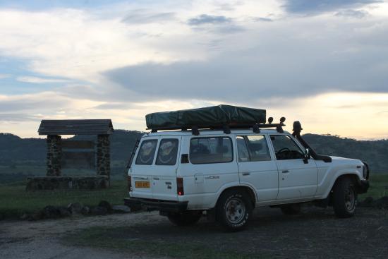 ICU Guesthouse: Onze safari auto met daktent!