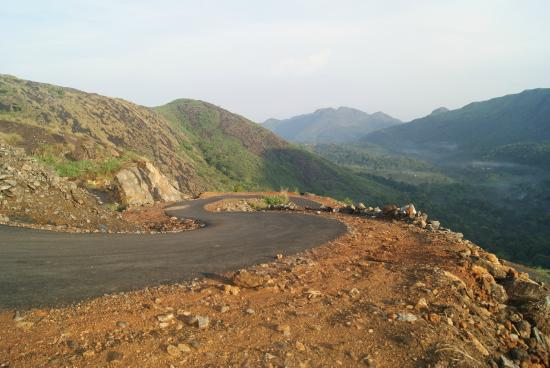 Kottayam, Indien: Road to Illikkal Kallu