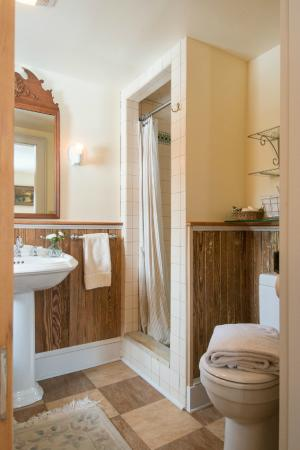 Thyme in the Country: Sumac Bathroom with walk in Shower