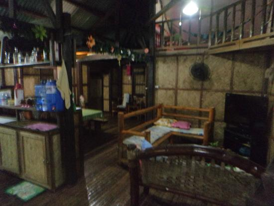Coron Backpacker Guesthouse: Salle de séjour