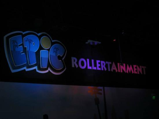 ‪Epic Rollertainment‬