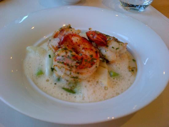 Jagd Hotel Rose: risotto all'aglio, scampi e asparagi!!!!!!!!!!