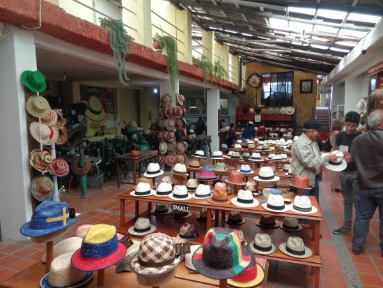 Variedad de sombreros - Picture of Barrancos Panama Hats 6d591ea3f0f