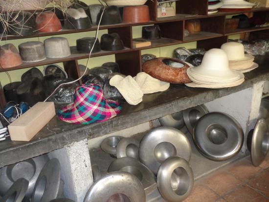 Barrancos Panama Hats  El taller 91707ddeb77