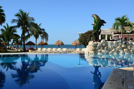 Sunset Marina Resort & Yacht Club: Alberca con vista a la laguna