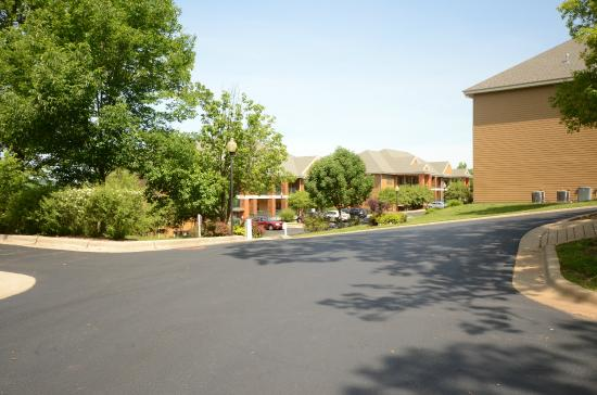 Falls Village Resort: View and buildings