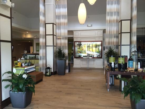 Hilton Garden Inn Riverhead: Renovated Lobby Entrance