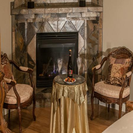 McGregor, Kanada: Honeymoon/Executive Getaway! Seating Area