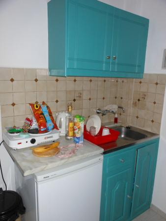 Grapevines Hotel: kitchenette