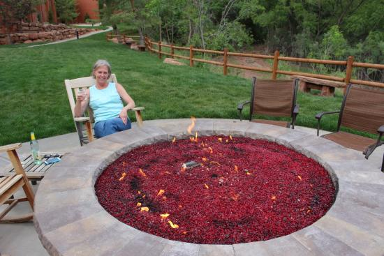 Poolside Firepit Picture Of Holiday Inn Express Springdale Zion