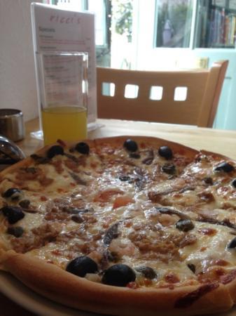 Ricci's: Very Tasty Pizza!