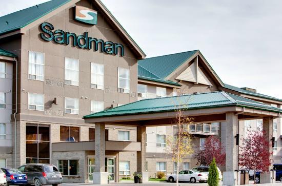 Sandman Hotel & Suites Calgary West: Exterior