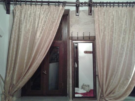 Evgenia Rooms & Studios